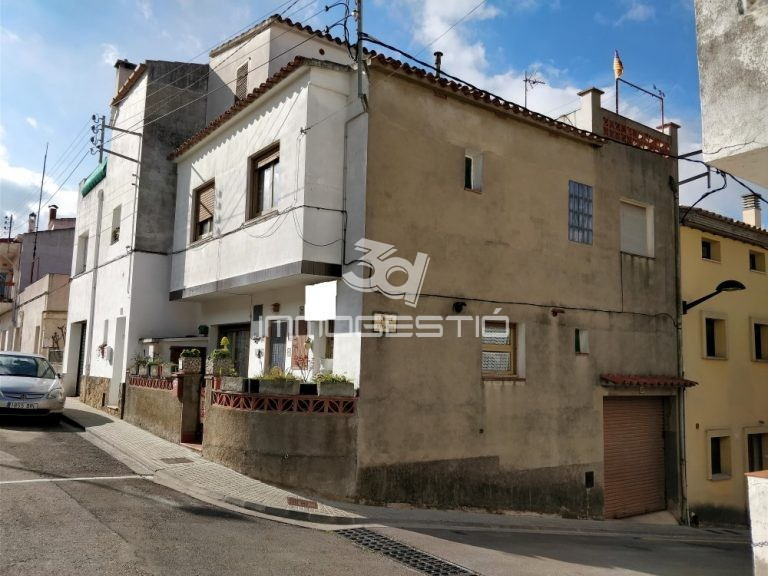 casa-vendapoble-sec-lescala-garatge-venta-garaje-maison-vente-garage-house-for-sale-garage-riells-costabrava