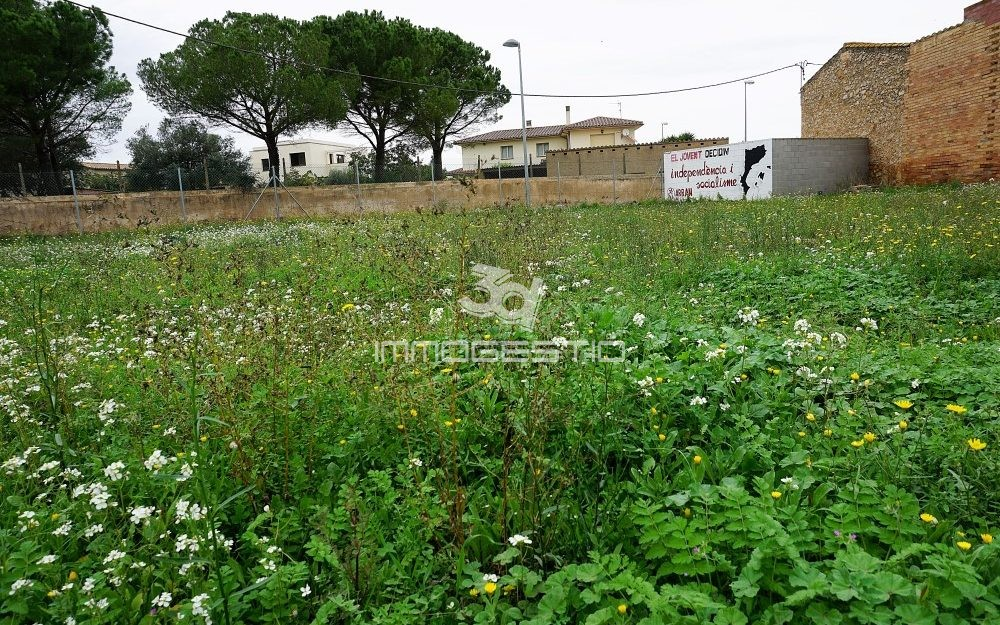 Urban land for sale in Viladamat
