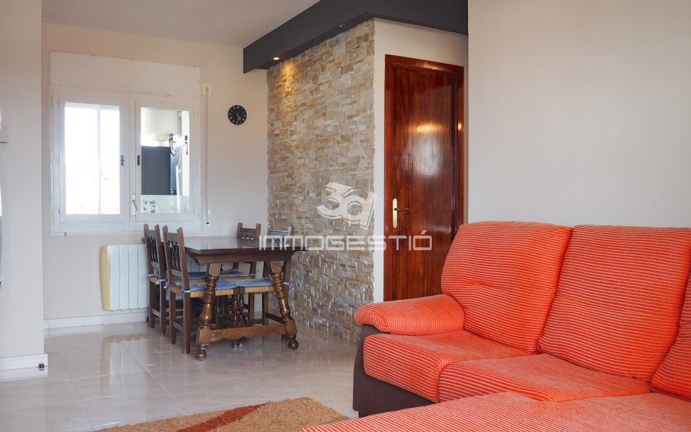 Renovated apartment with lovely terrace