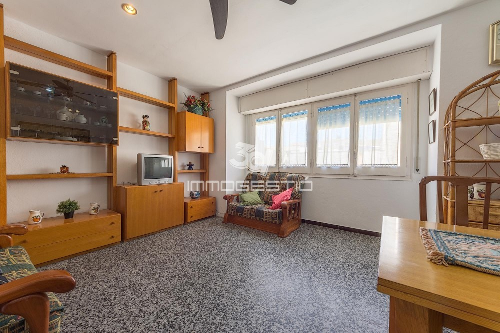 2 Bed Apartment In The Old Town, At Only 200m From The Main Beach In The  Village Of Lu0027 Escala, 3rd Floor Without Lift. Distribution: Spacious Living  Room, ...