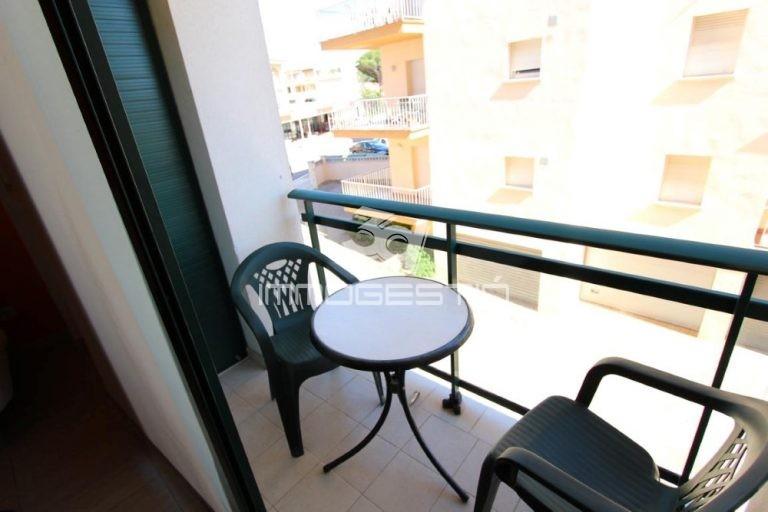 apartament-apartamento-appartement-apartment-en-venta-en-venda-for-sale-vente-pisos-pis-propietats-cases-casas-vista-al-mar-playa-vacances-immobiliaria-inmobiliaria-immobilier