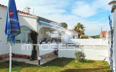 Semidetached house with garden and garage