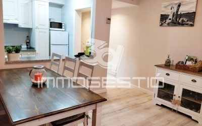 Renovated apartment in the old town of L'Escala