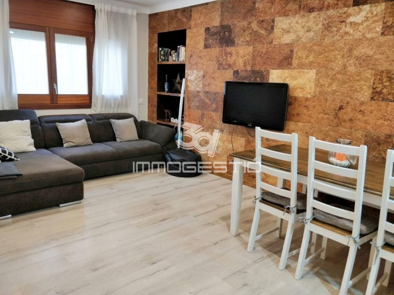 apartament-plantabaixa-nucli-antic-lescala-apartamento-plantabaja-casco-antiguo-appartement-rezdechaussée-vieille-ville-ground-floor-apartment-renovated-oldtown-reformat-renove-reformado