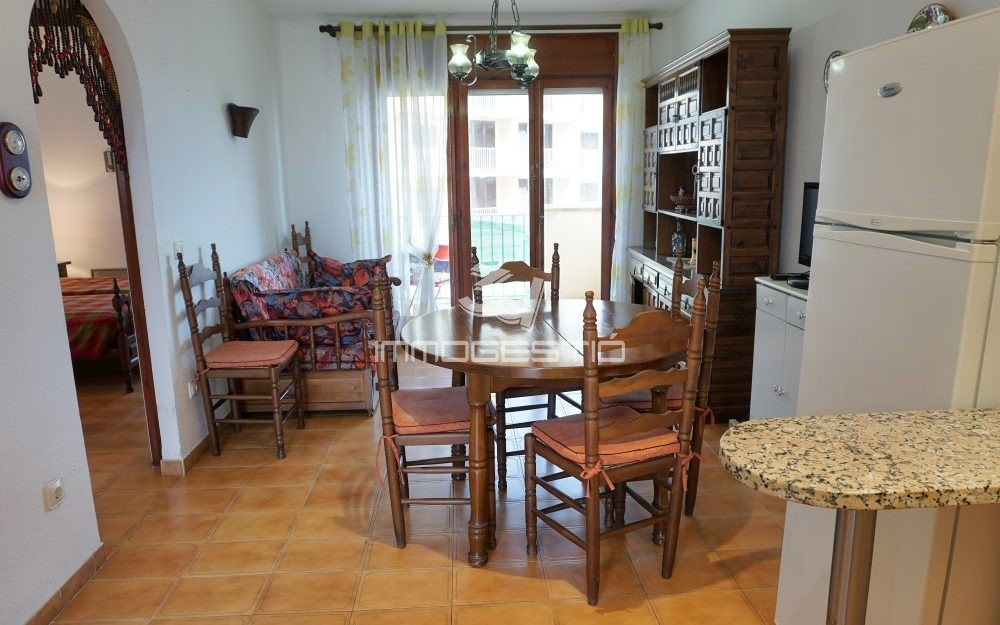 Sea views apartment near the beach in Riells