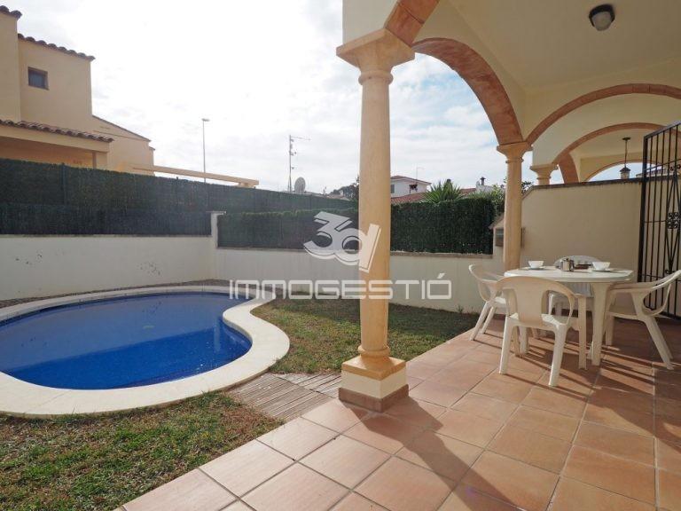 casa-piscina-garatge-venda-lescala-jardin-venta-house-garden-pool-garage-maison-jardin-garage-vente-sale-3dimmogestio-apartamentos-casas-immobilier-immobiliarias-inmobiliarias