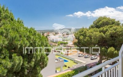 Apartment with lovely terrace and private parking space