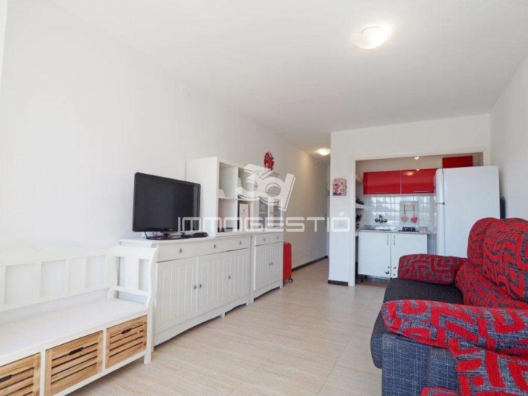 estudi-reforma-pati-riells-platja-estudio-reformado-patio-playa-renove-plainpied-plage-groundfloor-studio-renovated-beach-sale-venta-vente-venda-3dimmogestio-casas-apartamentos