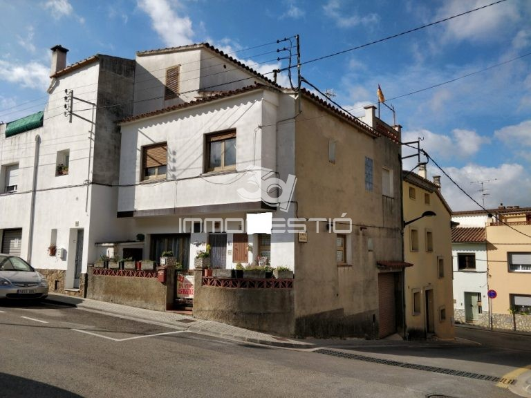 casa-vendapoble-sec-lescala-garatge-venta-garaje-maison-vente-garage-house-for-sale-garage-riells-costabrava