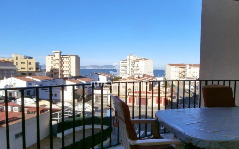 Apartment for sale near the beach in L' Escala