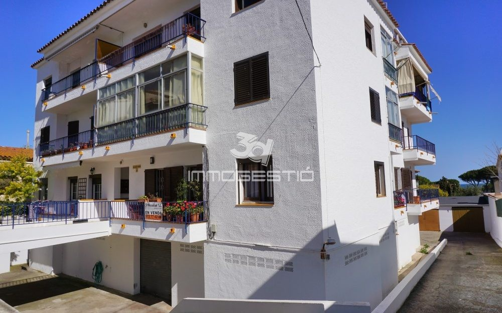 3 bed apartment near the old town in L'Escala