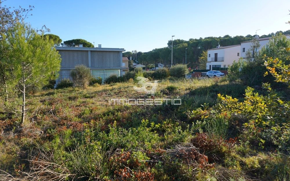 Plot for sale in Riells