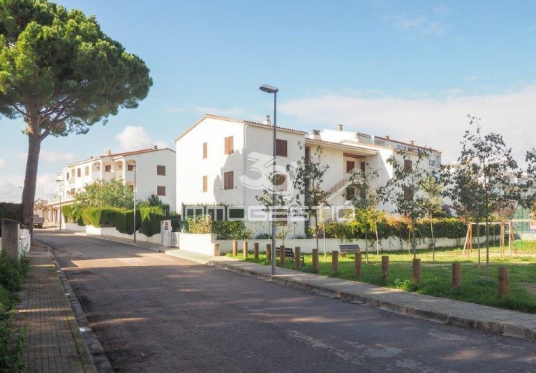 apartament-piscina-terrassa-lescala-venad-3dimmogestio-inmobiliarias-apartamento-terraza-inmobiliaria-venta-appartement-piscine-terrasse-immobilier-vente-apartment-pool-terrace-forsale