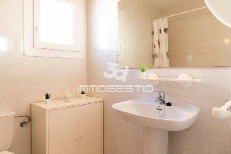 house-LEscala-real-estate-agent-for-sale
